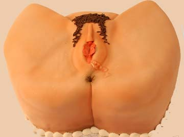 eat-and-lick-me-butt-hole-and-wing-tip-pussy-shaped-cake